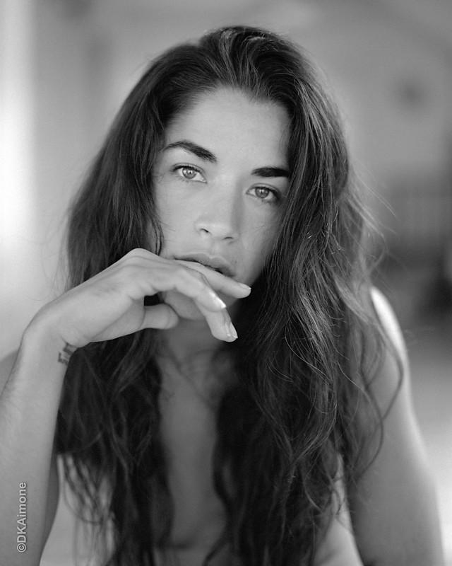 Eva, Portrait