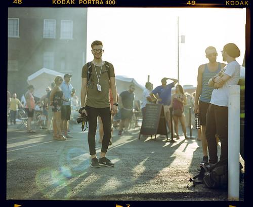 travisyoung travislikesfilm nickhowland boulevardia kansascity 2018 film kodakportra400 mamiyarz67proii 110mmf28sekorz festival portrait goldenhour sunset