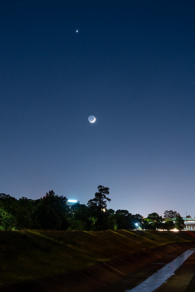 Moon-and-Venus-Conjunction   Matthew Dieterich   Flickr