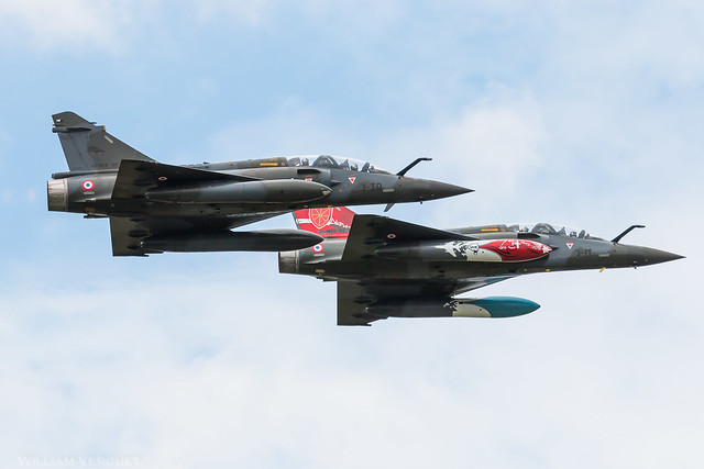 Dassault Mirage 2000D / Couteau Delta display / France Air Force / 647
