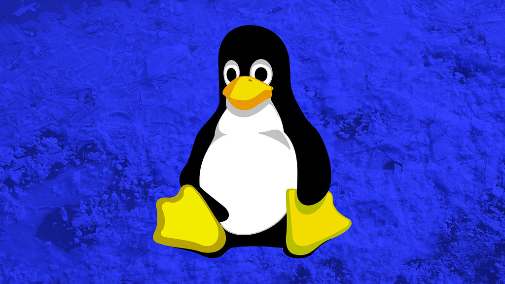 Linux Penguin Wallpaper | This cute penguin is the mascot ...