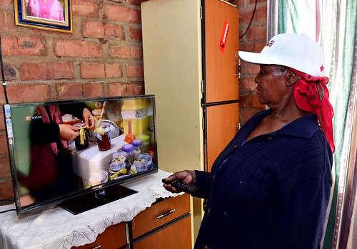 Deputy Minister Pinky Kekana engages with Thabazimbi community during Imbizo Week | by GovernmentZA