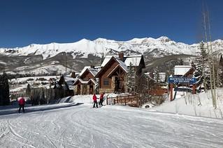 Mountain Lodge Ski-in gate | by lulun & kame