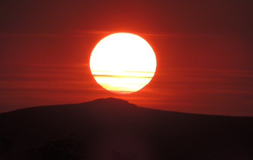 sun gas red dark dartmoor summer outdoors natue sunset naturephotography outside sunshine heat hot weather light blood devon natur shadows star hydrogen shadow colour colours color colors colourful nature countryside picture photo photograph coth5 flickr orange sky