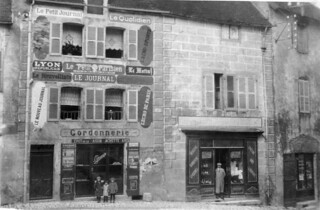 Boutiques rue du commerce à Orgelet