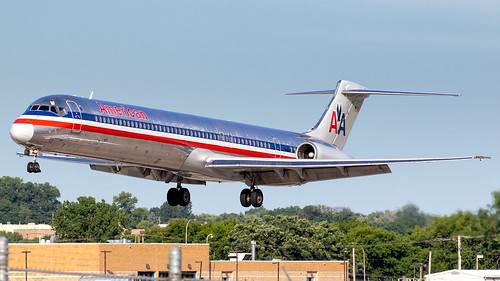 minneapolisstpaulinternationalairport msp kmsp mspairport aviation avgeek airplane airliner americanairlines md83 dc983 n9619v aal1364 ordmsp