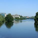 Die Ruhr hinter dem Wasserkraftwerk Kahlenberg