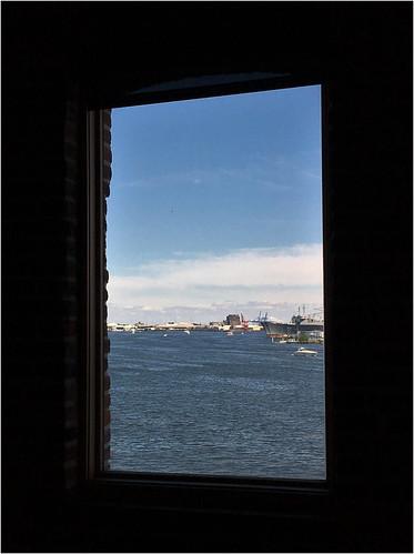 baltimore maryland fellspoint harbors fdimmaritimemuseum windows viewbeyond hww iphone cmwd