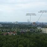 Von der Halde Rheinelbe aus lassen sich viele Landmarken des Ruhrgebiets betrachten