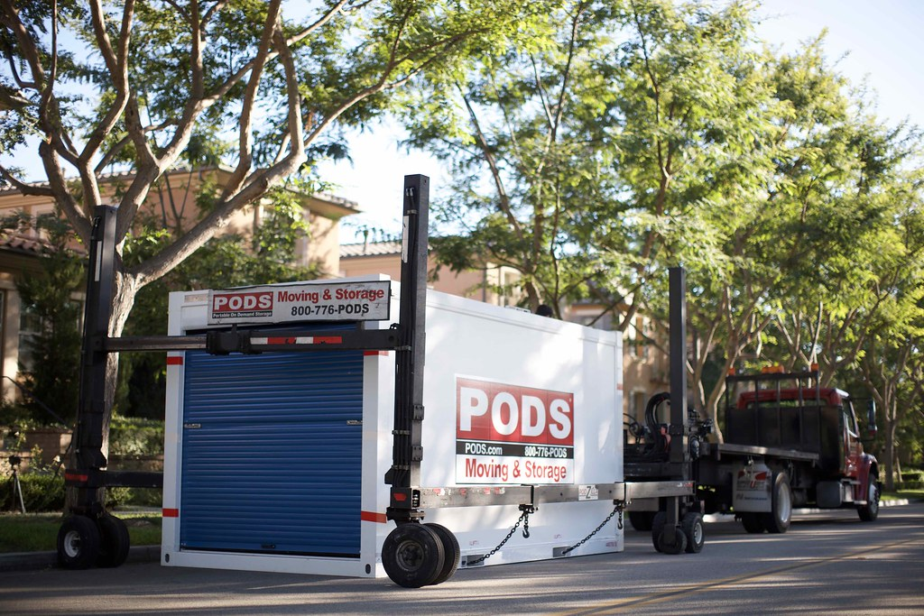 Pods Moving And Storage >> Pods Container Podzilla One Pods Container On A Street Bei