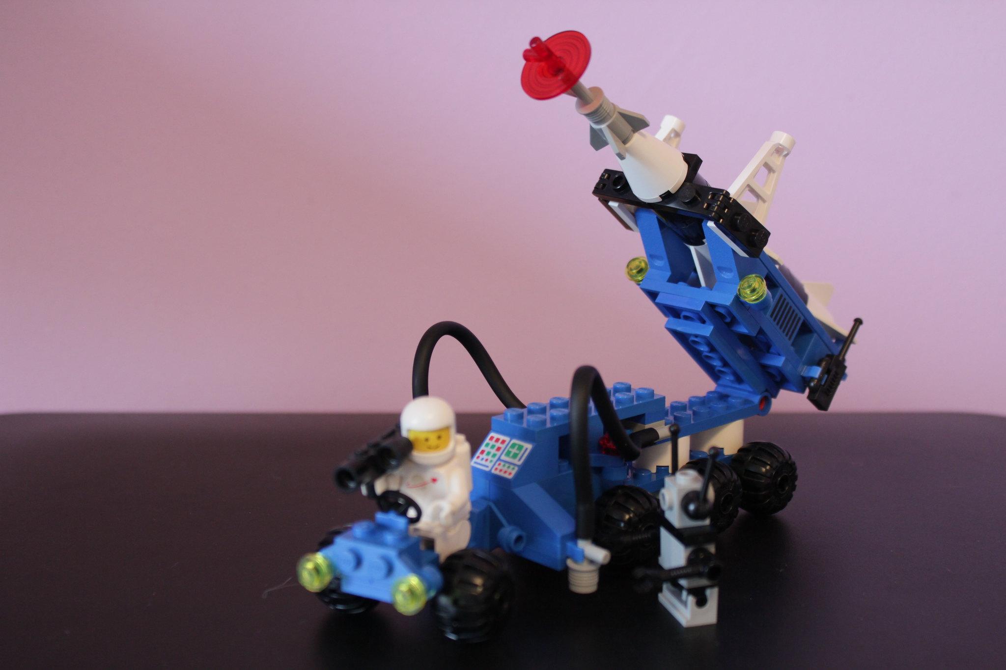 6881_LunarRocketLauncher
