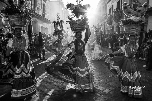 Chinas Oaxaqueñas - Desfile de las Delegaciones - Guelaguetza 2018 - Oaxaca - México
