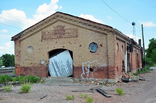 chicagorockislandpacificrailroad freighthouse missouri trentonmissouri grundycounty railroad