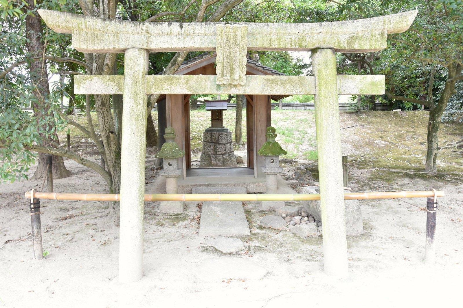 Jardins de Kôraku-en - sanctuaire shintô