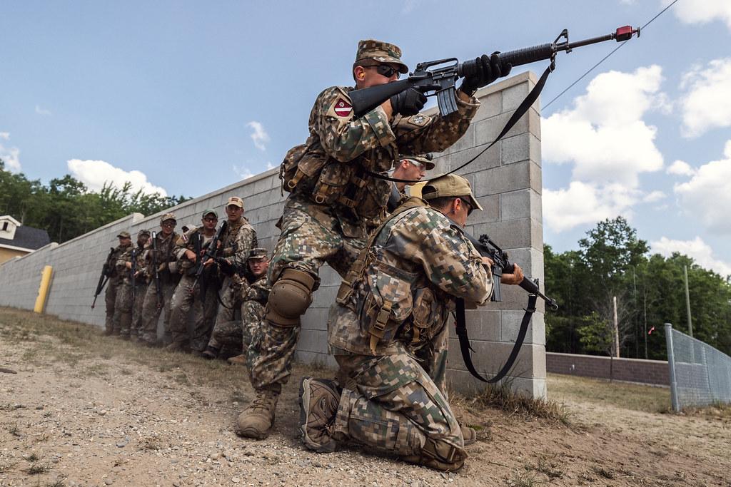 """3.brigādes karavīri un zemessargi mācībās """"Northern Strike"""""""