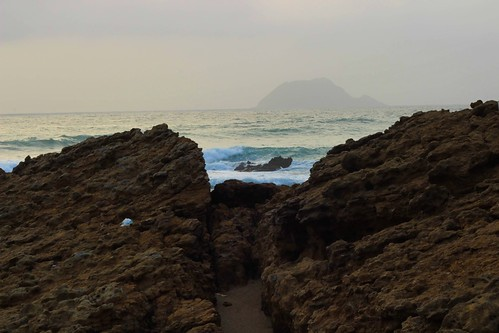 bhitkhori mubarakvillage pakistan karachi sindh rural coast sea seascape beach charna island waves