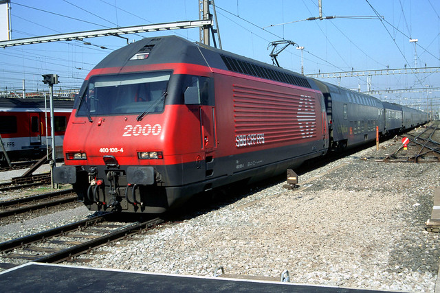 SBB Re460 108 with City NightLine arriving in Zürich HB, May 9, 1998