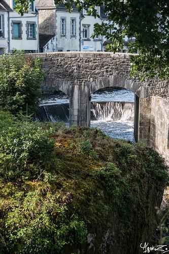 pont sur la rivière d'argent   by azillia