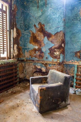 pa pennhurstasylum pennsylvania springcity abandoned chair decay unitedstates us