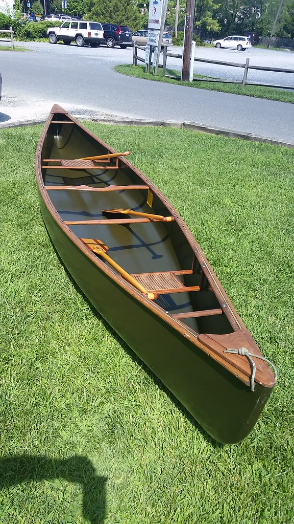 MAD RIVER DUCK HUNTER 16 ft  CANOE  WOW ! 1994 boat in exc
