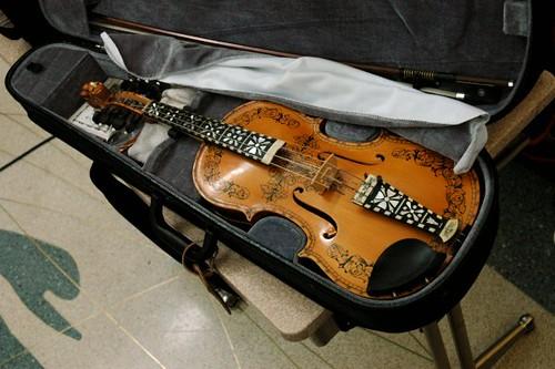 hardanger fiddle (hardingfele) | by paper-tiger