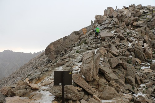 1710 We leave the JMT and are now on the Mount Whitney Trail, at the official Trail Crest sign | by _JFR_