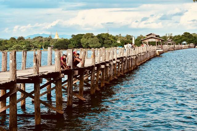 Paseos birmanos por el U-Bein Bridge