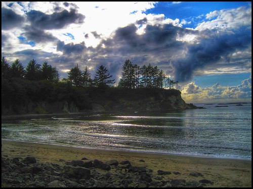 secluded cove waves ocean pacific oregon travel usa