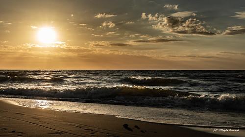 balticsea canon canoneos5dmarkiv chmury clouds colors outdoor outside poland reflection sand sea sky summer sun sunset yellow zachódsłońca