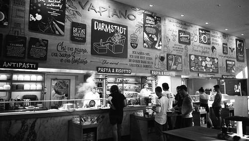 """Pizza restaurant """"Vapiano"""" Darmstadt"""
