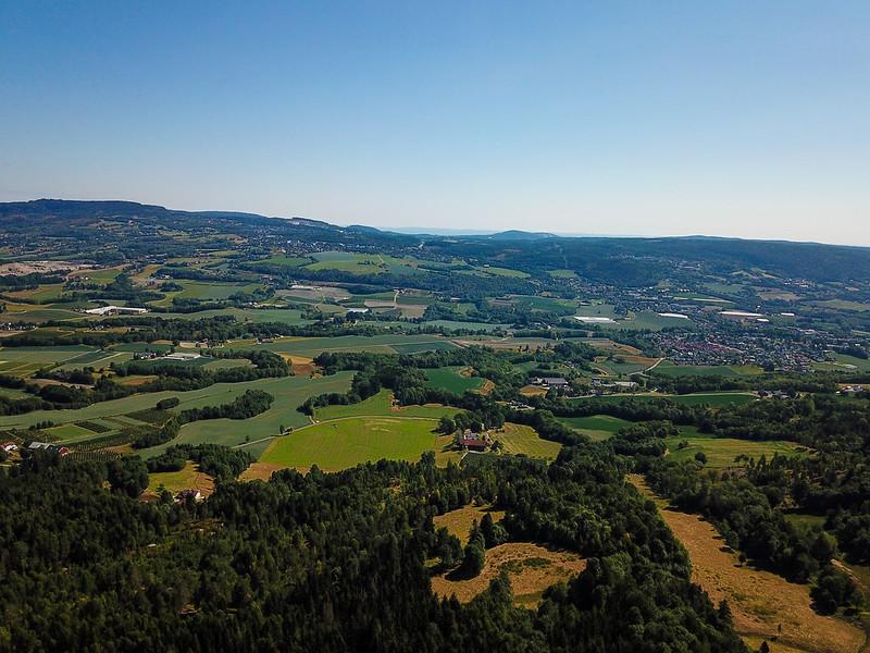 05-Utsikt mot Tranby fra Grindene (drone)