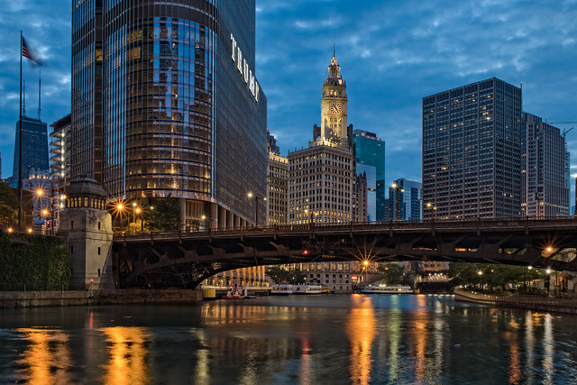 Morning at Chicago River