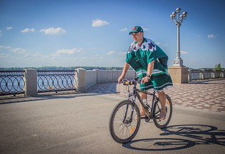 Like a true #Mexican. #MEX #Mexico #bicyclist #serape #sarape #poncho #мексиканец #Мексика #серапе | by valerian.kadyshev