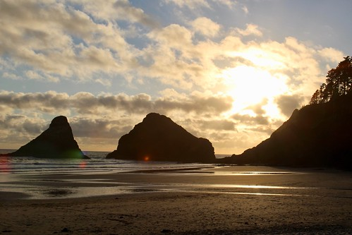 Sea Stacks in Silhouette | by daveynin