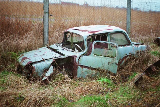 Autofriedhof: Glas Isar