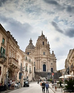 Ragusa Ibla, cattedrale #ragusa #church #sicily #sicilia #monument #sky #cloudy #colors #igers #igersitalia #photo #photooftheday #picoftheday #clouds #architecture #road   by Mario De Carli