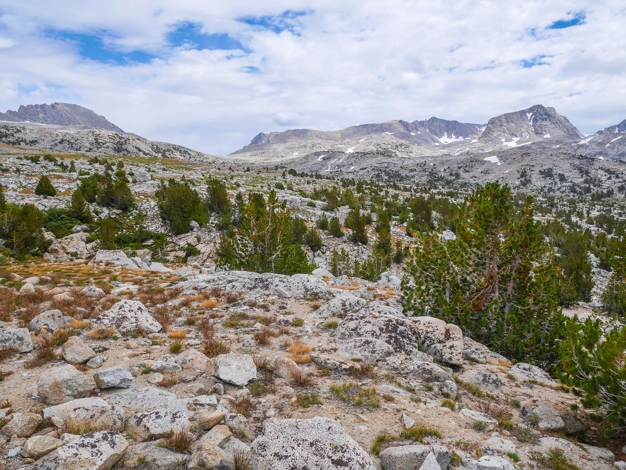 Looking up towards Piute Pass and Muriel Peak