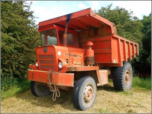 'Invicta' Dumper Truck ..