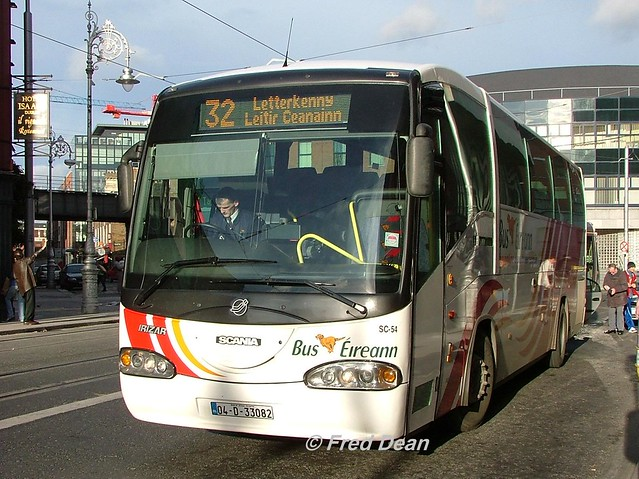 Bus Eireann SC54 (04D33082).
