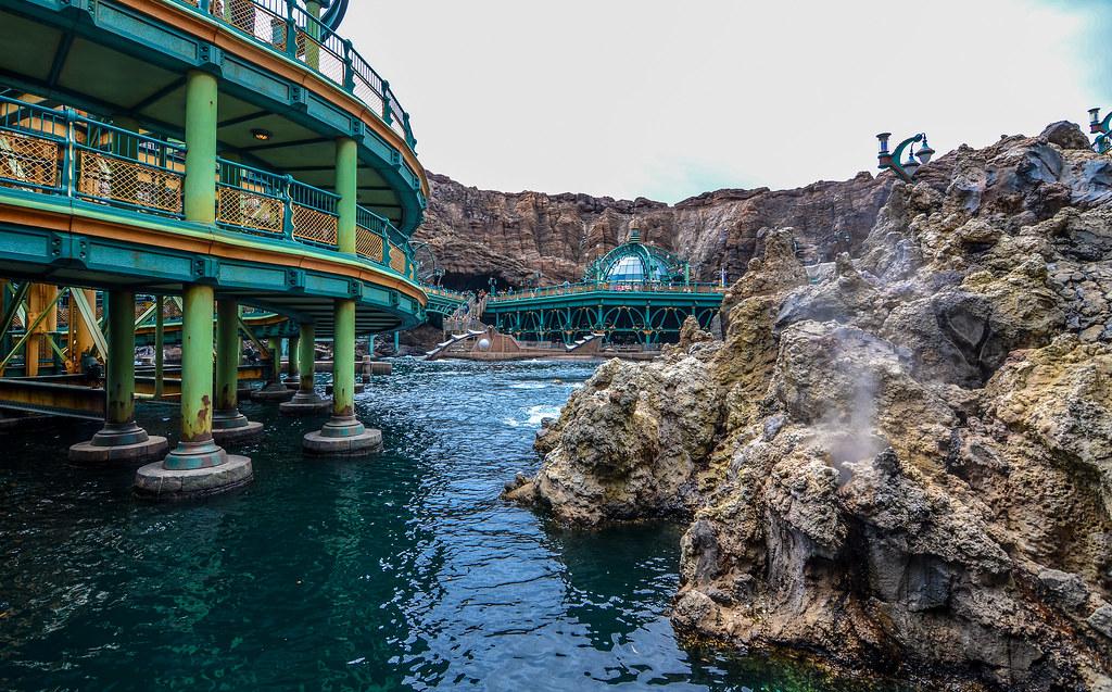 Mysterious Island below water TDS