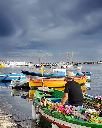 Fisherman, flowers and clouds #sea #sky #boat #flowers #cloudy #life #family #sicily #trip #holiday #colorful #colors #photooftheday #picoftheday #igers #igersitalia #beccacimmi #beccacimmiwedding | by Mario De Carli