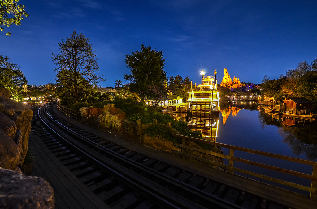 Frontierland by the railroad TDL