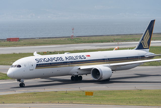 Singapore Airlines 9V-SCA | by kuni4400