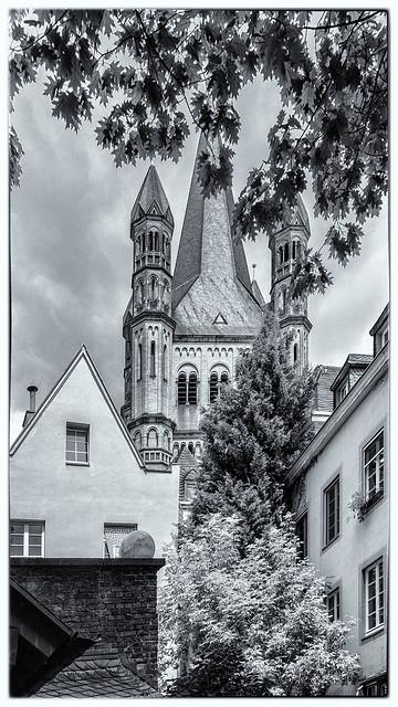 Köln 2018-Altstadt Höfe, Hinterfronten, Fassaden, Groß Sankt Martin