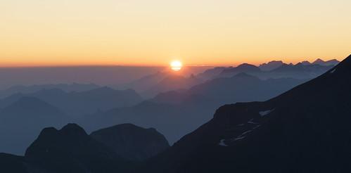 sunrise sunset sonnenaufgang sonnenuntergang alpen mountains schweiz switzerland berge gebirge panorama