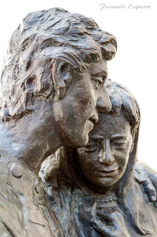 Estatua de los Amantes
