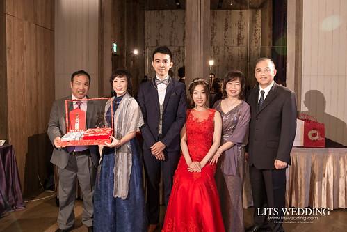台北婚攝/婚禮紀錄/婚禮攝影/台北君品酒店/振豪+思純 | by 婚攝樂思