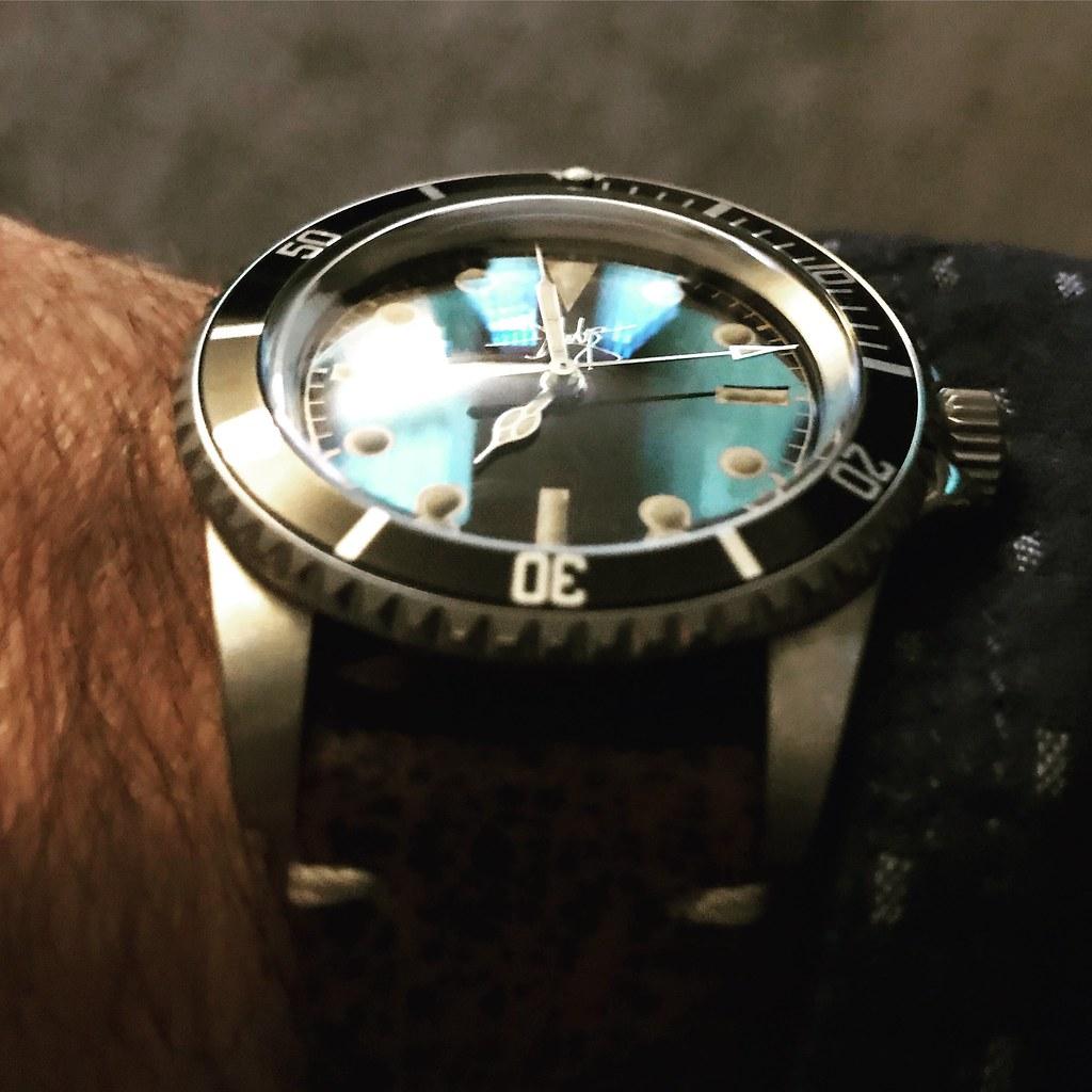 D Hodge Watch