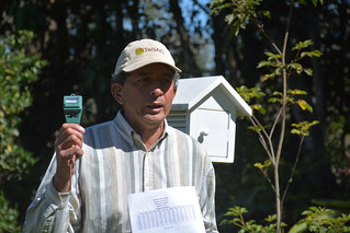Talking about the importance of using climatic tools.  Photo by: Laura Lopez | by CGIAR Climate