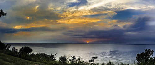 lakecounty lakemetroparks lmp lakeerie sunsets lakefrontlodge